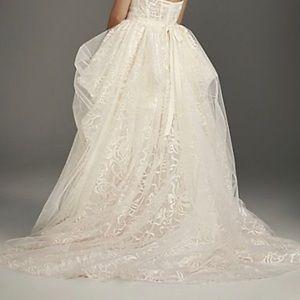 Vera Wang Wedding dress blush undertone